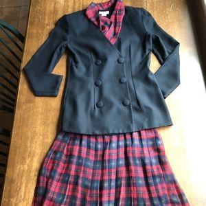 Ann Taylor 2-pc Suit Size 6